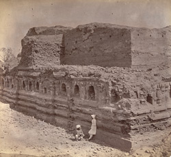 Rear view of ruins of the Baladitya Temple, Nalanda 1003189